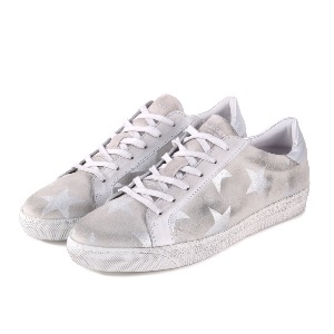 AIR & GRACE Cru White Star Trainers