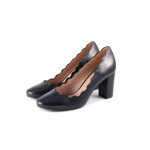 The SHOE GALLERY Marian Black Pump
